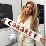 holding cabaret_lr