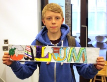 holding calum_lr