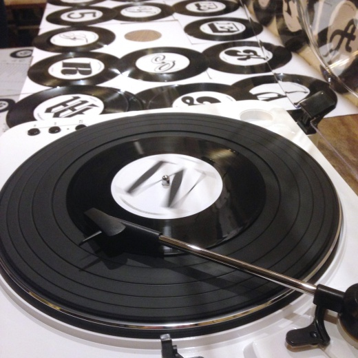 type-tasting-vinyl-type-game-03
